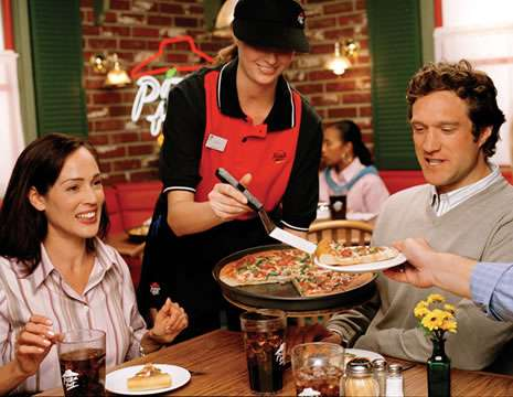 pizza-hut-inc-franchise-serving